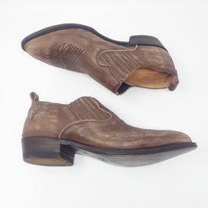 Frye women's Brown distressed ankle bottles size 9